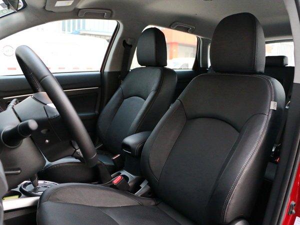 广汽三菱  2.0L 前排座椅