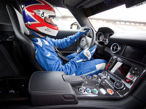 安全车请再快一点 现役跑车中谁更适合领跑F1-图3