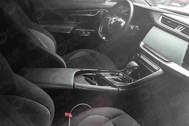 东风风神AX8谍照 或搭1.6T/定位中型SUV