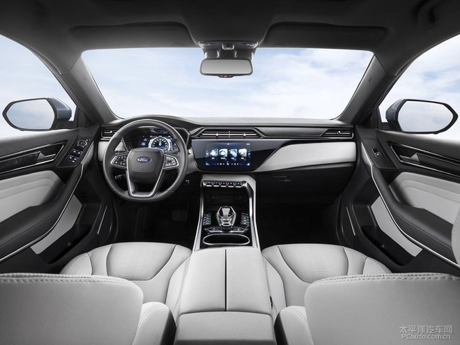 福特首款纯电车型领界EV官图曝光 续航360km