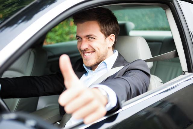 最讨厌的6种副驾驶行为,第三种真的忍不了