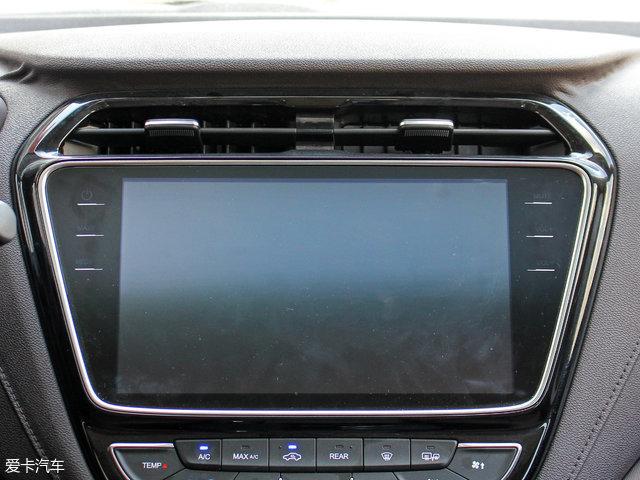 长安汽车2017款欧尚A800