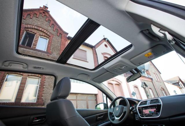 铃木骁途将标配ESP/全景天窗 配置丰富
