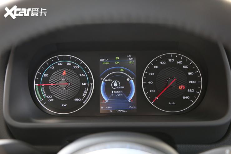 比亚迪汽车2019款唐DM仪表盘