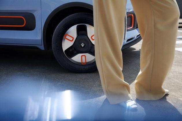 时尚不止一面,宝骏KiWi EV六款摩登车色首曝光!