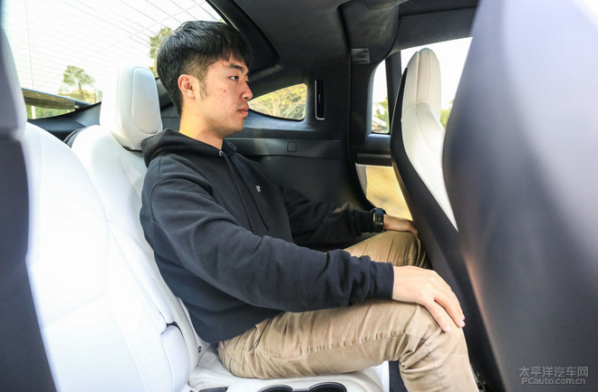 纯电SUV之王? Model X对决奥迪e-tron