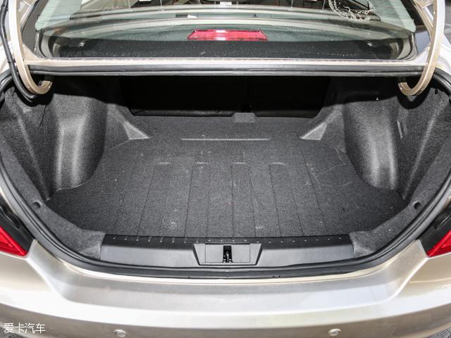 吉利汽车2017款帝豪EV